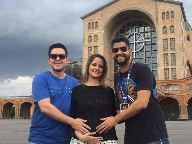Maria Cecília e Rodolfo visitam Santuário de Aparecida (Foto: Reprodução/Facebook)