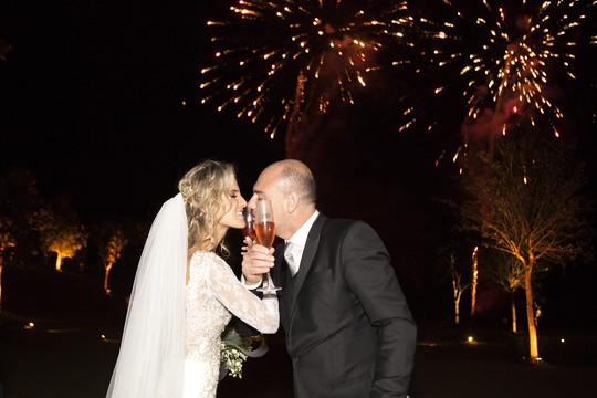 Marcelo Hahn e Rebeca: enfim casados (Foto: Marias Fotografia)