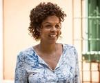 Ana Carbatti é Nair em 'Haja coração' | TV Globo