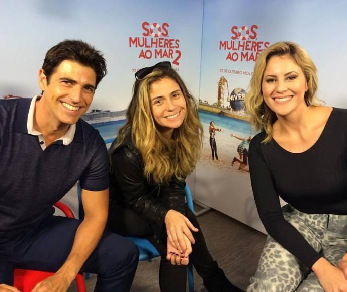 Giovanna Antonelli e Reynaldo Gianecchi respondem perguntas dos telespectadores  (Foto: Reprodução / TV Diário)
