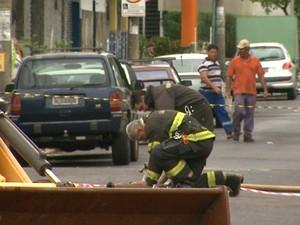 Vazamento de gás é contido após 1h30 em Ribeirão Preto, SP (Foto: Valdinei Malaguti/EPTV)