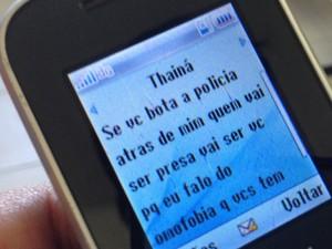 Mensagem de celular mostra resposta da filha para mãe.  (Foto: Heitor Moreira/G1)