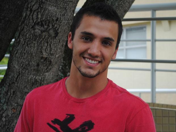 Pedro Cassiano era dançarino profissional antes de seguir carreira de ator (Foto: Tv Globo / Malhação)
