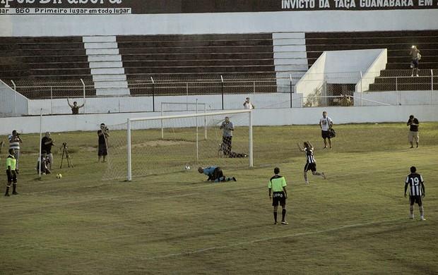 Túlio gol Botafogo (Foto: Thiago Fernandes / Globoesporte.com)