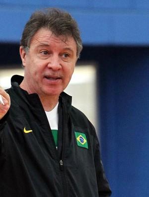 Rubén Magnano no treino da seleção brasileira  (Foto: Gaspar Nóbrega / Inovafoto)