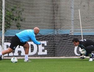 Rogerião treina com Marcelo Grohe no Grêmio (Foto: Lucas Uebel/TXT Assessoria)