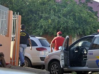 Ex-namorado da vítima, de 18 anos, foi encaminhado para prestar depoimento. (Foto: Denise Soares/G1)