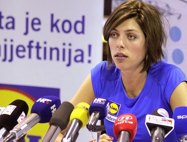 Blanka Vlasic durante coletiva (Foto: Reuters)