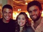Juliana Schalch tieta Thiago Silva na noite carioca