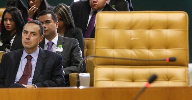 O advogado Luís Roberto Barroso em sessão no STF no último dia 6 de junho, um dia após ter o nome aprovado no Senado (Foto: Nelson Jr./SCO/STF)