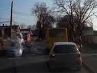 Jovem dá 'banho de tinta' ao ser atingida por carro na Ucrânia
