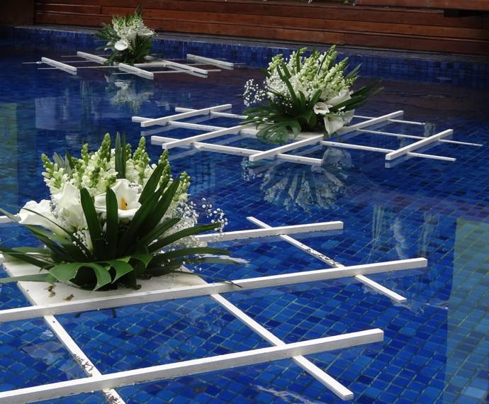 Até a piscina se arrumou para essa festa! (Foto: Taís Moreno/Gshow)