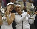 Nas duplas, Hingis volta a conquistar título de Wimbledon após 17 anos