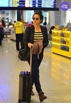 Look do dia: Nanda Costa combina listras com acessórios estilosos