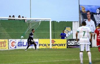 Após empate, goleiro do CRB critica gramado do Estádio Gerson Amaral