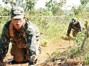 soldados_treinamento_engatinham_300 (Foto: Tahiane Stochero/G1)