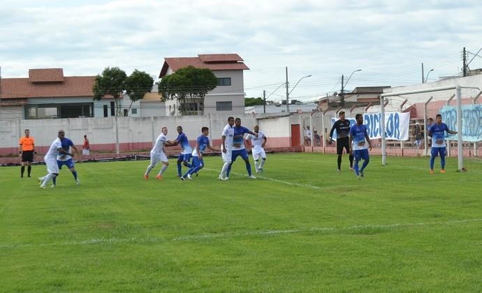 Linhares e Espírito Santo empataram no Joaquim Calmon (Foto: João Brito/Espírito Santo FC)