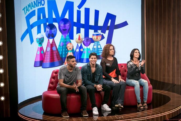 Arthur participou do programa com a mãe, o irmão e a tia (Foto: Isabella Pinheiro/Gshow)