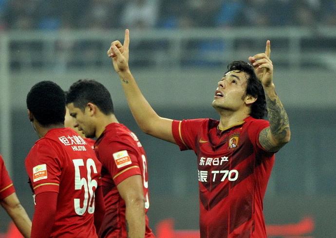Ricardo Goulart Guangzhou Evergrande (Foto: Reprodução/Sina.com)