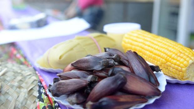Hum! Que delícia: pratos doces e salgados deixaram a festa ainda mais gostosa (Foto: Fernando Benega/ RPC)
