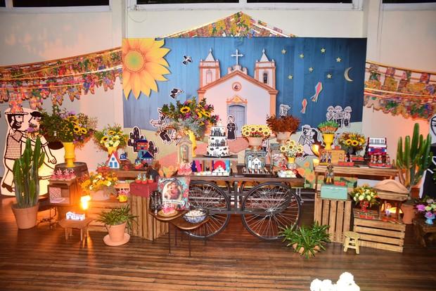 Decoração da festa junina de Karina Bacchi  (Foto: Leo Franco / AgNews)