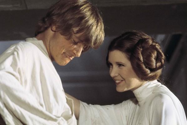 Mark Hamill e Carrie Fisher como Luke Skywalker e Leia Organa em filme da saga Star Wars (Foto: divulgação)