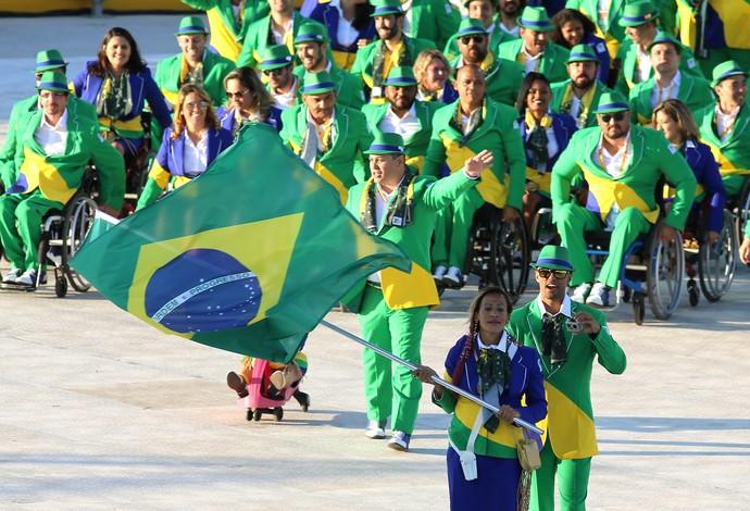 Delegação brasileira na cerimônia de abertura do Parapan de Toronto (Foto: Fernando Maia)