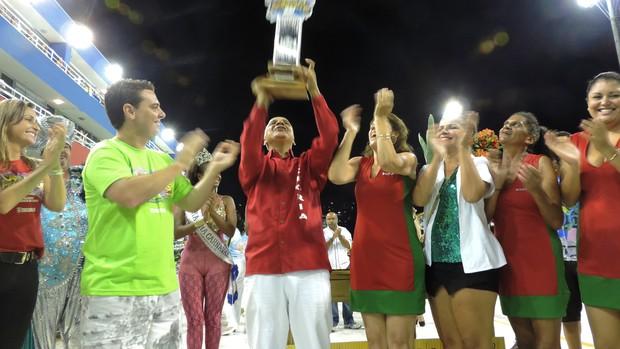 Campeãs de Florianópolis relatam dificuldades para fazer o Carnaval (Mariana de Ávila/G1)