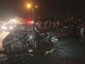 Veículos atingidos (Foto: Canindé Soares)