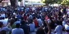 FORTALEZA: grupo se reúne em praça (Gabriela Alves/G1)