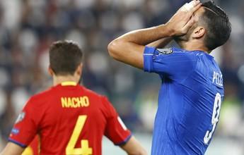 Pellè se recusa a cumprimentar técnico após substituição e é cortado da Itália