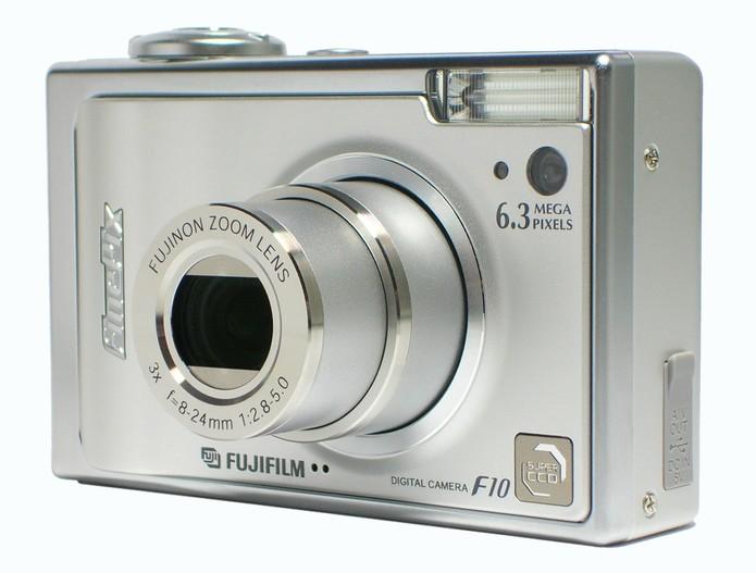 As câmeras digitais compactas fizeram muito sucesso nos anos 2000 (Foto: Divulgação/Fujifiilm) (Foto: As câmeras digitais compactas fizeram muito sucesso nos anos 2000 (Foto: Divulgação/Fujifiilm))