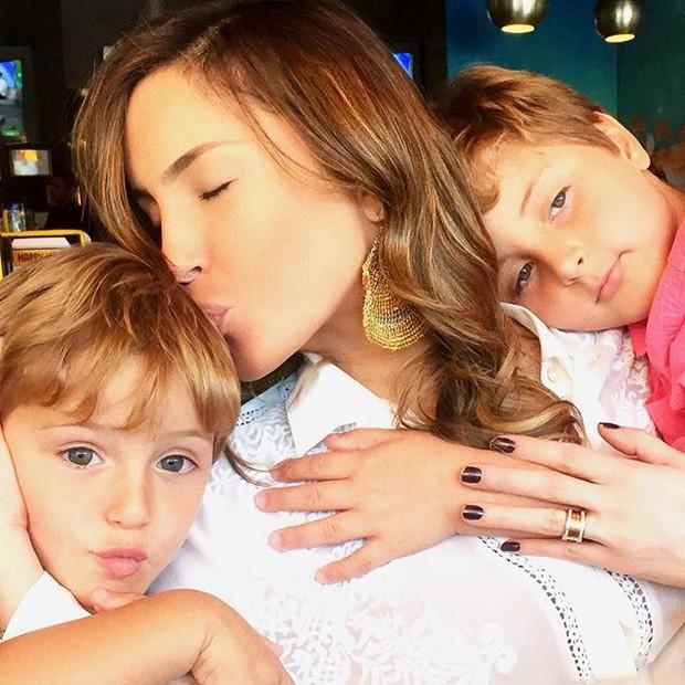 Claudia Leitte com os filhos, Rafael e Davi (Foto: Instagram/ Reprodução)
