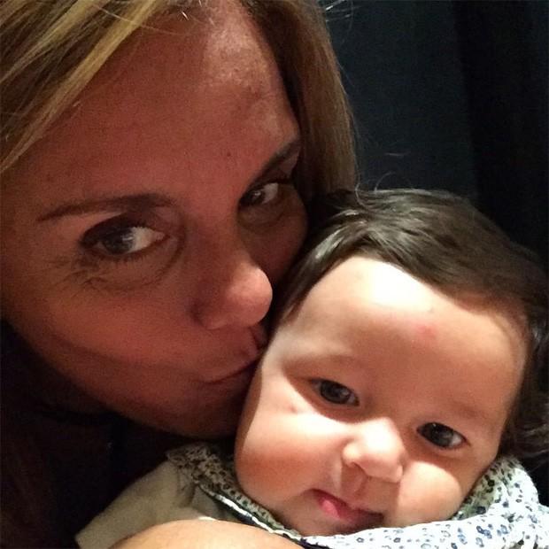 Ana Sang e a neta, Madalena (Foto: Reprodução/Instagram)