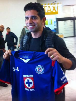 Guilherme chega ao México Cruz Azul (Foto: Reprodução / Twitter)