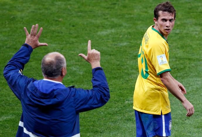 Luiz Felipe Scolai Felipão bernard brasil x alemanha (Foto: Reuters)
