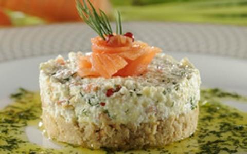 Cheesecake de salmão com ricota e maçã verde