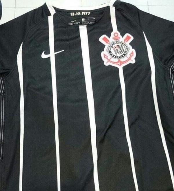 0f505ada92 Nova camisa 2 do Corinthians vaza na internet  modelo é inspirado ...