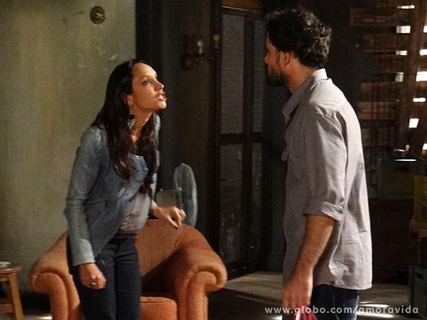 Alejandra mostra as garras (Foto: Amor à Vida/ TV Globo)