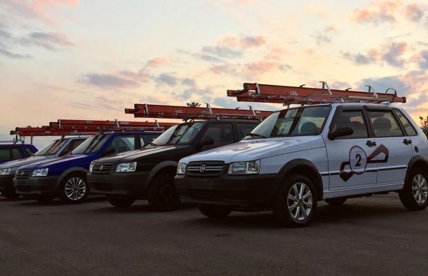Fiat faz corrida de Unos com escada no teto para anunciar o nome de seu próximo lançamento (Foto: Divulgação)