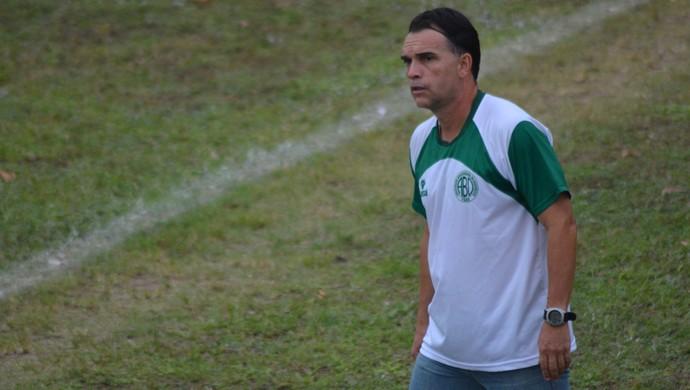 Everton Câmara, técnico do Boquinhense (Foto: Felipe Martins/GloboEsporte.com)