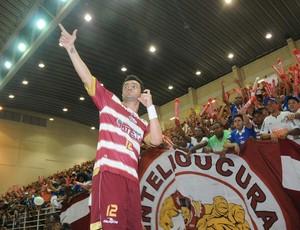 Falcão comemora o título da Liga Futsal 2012 (Foto: Luciano Bergamaschi-CBFS)