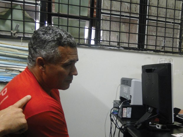 Bola presta depoimento por denúncia de planejar morte de envolvidos no caso Eliza Samúdio. (Foto: Raquel Freitas/G1)