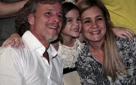 Elenco de Avenida Brasil se reúne para celebrar o último capítulo da novela
