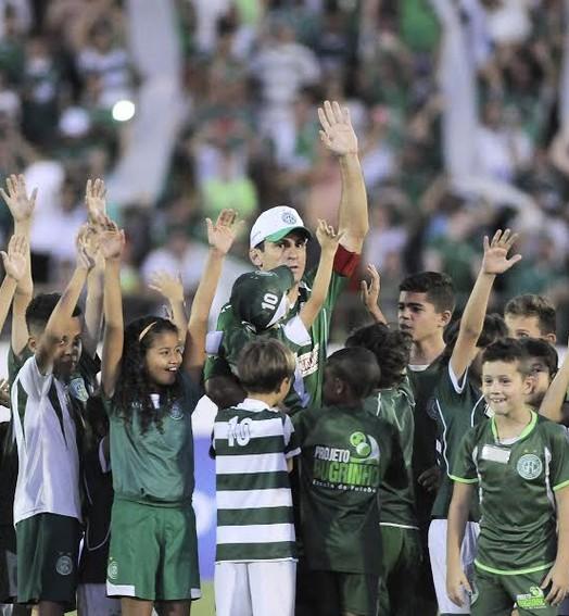mãos dadas (Rodrigo Villalba / GloboEsporte.com)