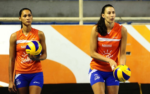 Jaqueline e Sheilla vôlei Osasco (Foto: Marcos Ribolli / Globoesporte.com)