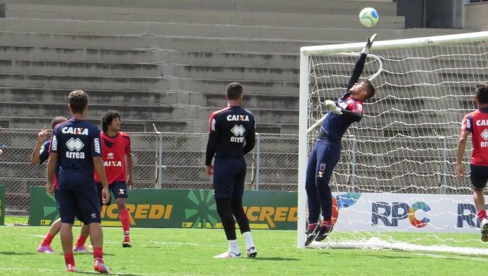 Treino do Paraná Clube na Vila Capanema (Foto: Fernando Freire)