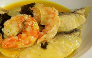 Moqueca de peixe com camarão e tucupi