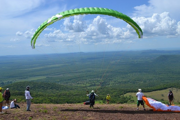 Corumbá tem potencial para ser destino nacional de voo livre, avalia dirigente (Foto: Hélder Rafael)