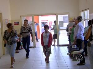 Cerca de 7 mil pessoas não foram atendidas no primeiro dia da greve dos médicos da rede pública de saúde de Campo Grande (Foto: Reprodução/TV Morena)